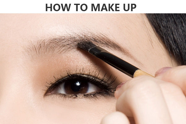 导语:化妆后还是觉得自己不够美?问题或许正出在眉妆上。该如何让自身眉型变得有时尚感呢?学会今年流行的韩国平粗眉,只要简单4步骤,让妳立刻变身电视剧女主角!  简单4步画韩国平粗眉 化妆后还是觉得自己不够美?问题或许正出在眉妆上。该如何让自身眉型变得有时尚感呢?学会今年流行的韩国平粗眉,只要简单4步骤,让妳立刻变身电视剧女主角!