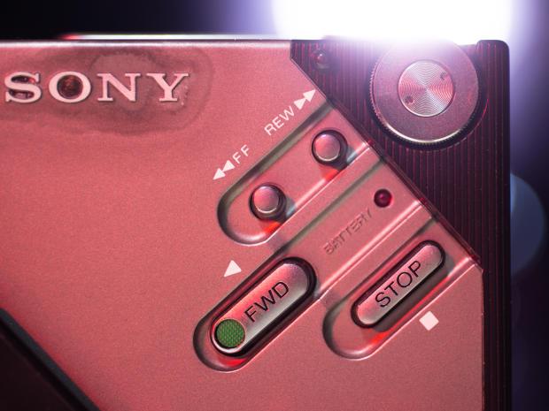 克,同时还配有立体声电路和立体声耳机MDR-3L2.而Walkman的概图片