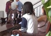 广西少女囚禁女同学卖淫 12岁恋上皮条客产子
