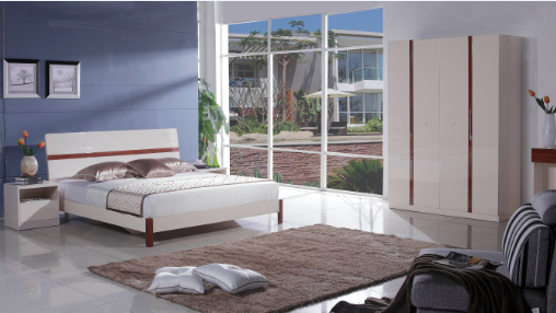 浪度:床、四门衣柜、两个床头柜,原价5780元,直销价2280元,每