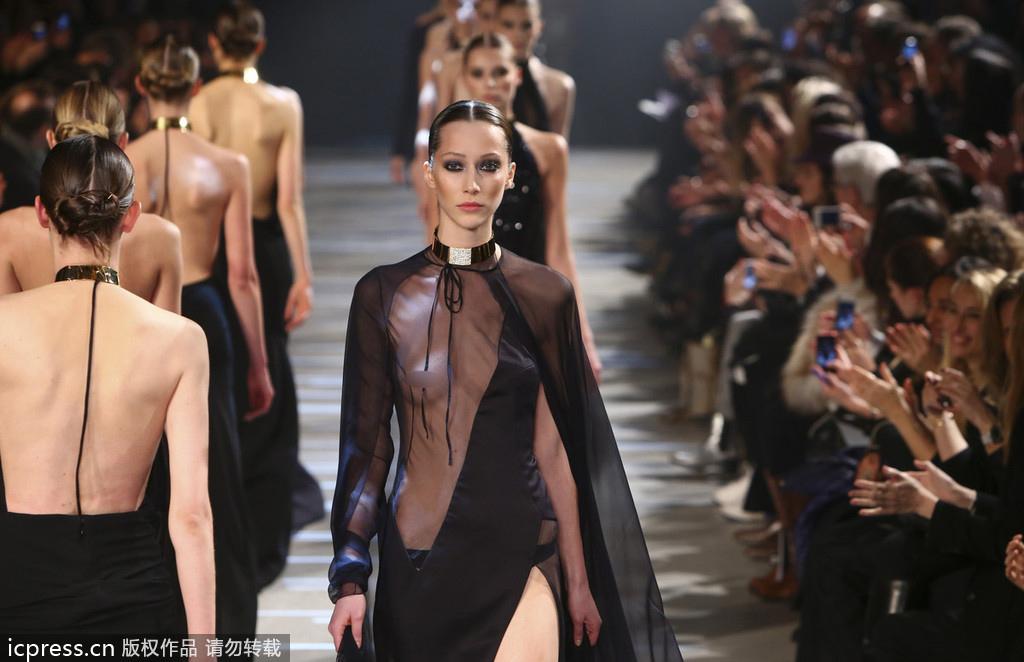 法国设计:酷爱展现女性身体曲线之美