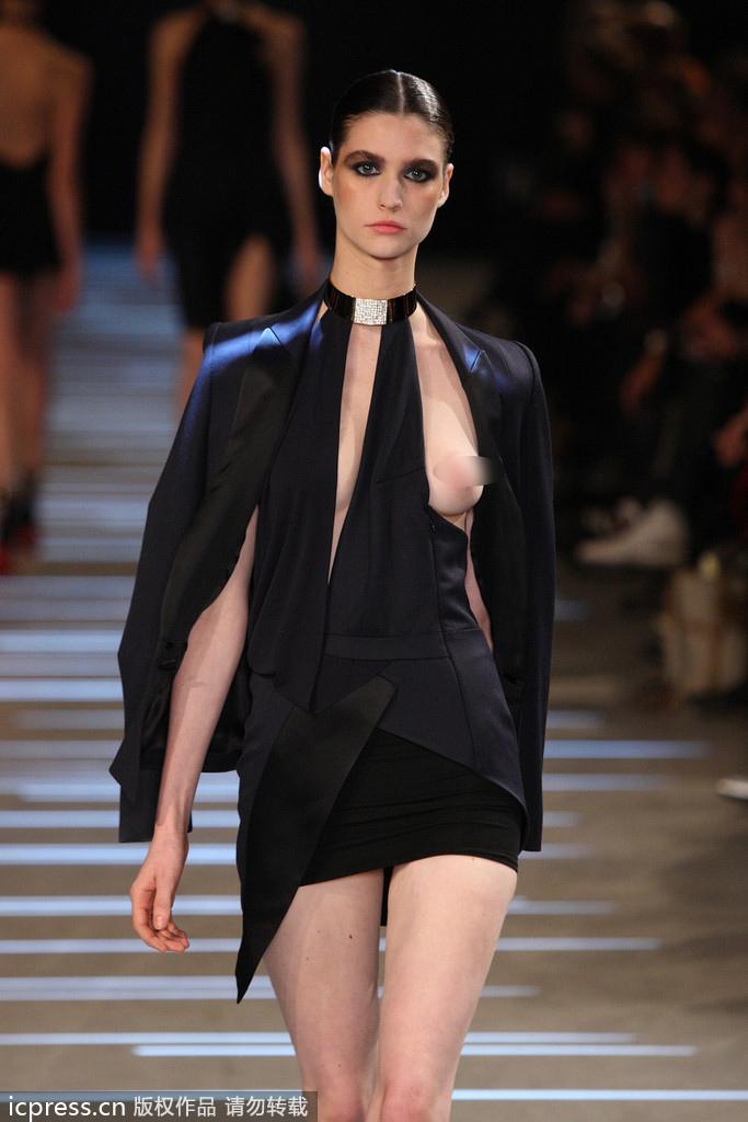 全透视薄纱时装秀|时装秀透明薄纱 模特真空上