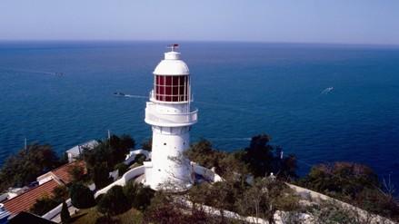 位于辽东半岛最南端的旅顺老铁山岬.