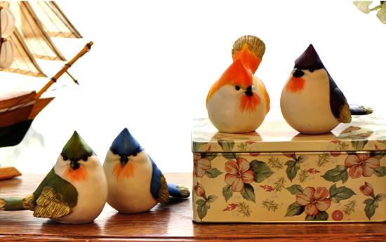 导购理由:此款陶瓷小摆件颜色非常淡雅,精致的图案具有浓烈的小清新气息,十分美观。此款摆件巧妙地运用了大自然中的景物,树木、小鸟、小鹿等都是它的图案元素,给人自然舒服的感觉。 推荐11:萌宠镇纸动物小摆件 价格:9.8元 品牌:如果