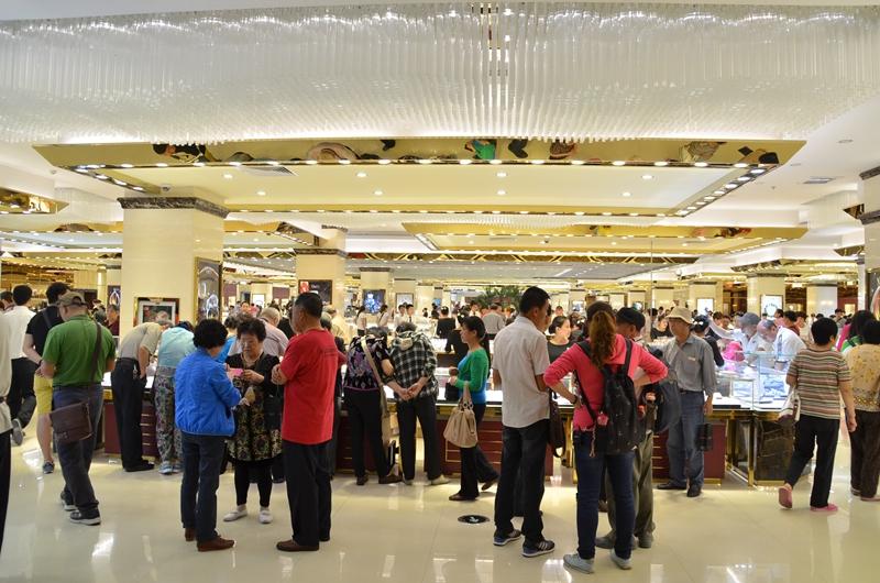 万宁首创奥特莱斯文化旅游区,是香港联交所上市公司 hk高清图片