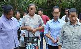 广西邪教女成员劫持少女 对峙警方