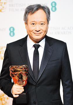 李安在英国影艺学院电影奖代领最佳摄影奖,影迷期待他得到属于自己的奥斯卡奖。(法新社)