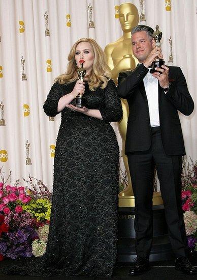 奥斯卡歌后阿黛尔将献唱第24部《007》主题歌