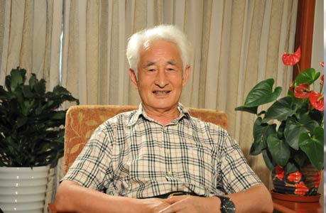现年74岁的季克良仍容光满面