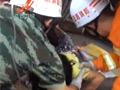 10岁女孩遭大货车压腿 冷静等救援