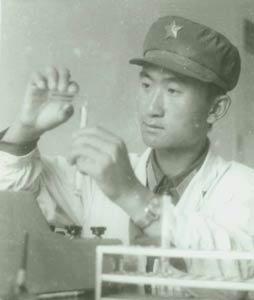 王健林部队时期留影