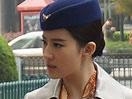 刘亦菲制服诱惑遭围观 空姐造型清新
