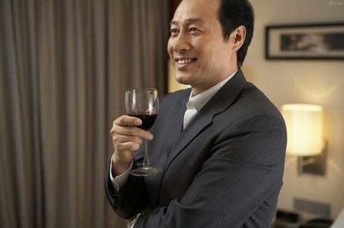 外国女人眼中中国男人:有钱顾家自以为是