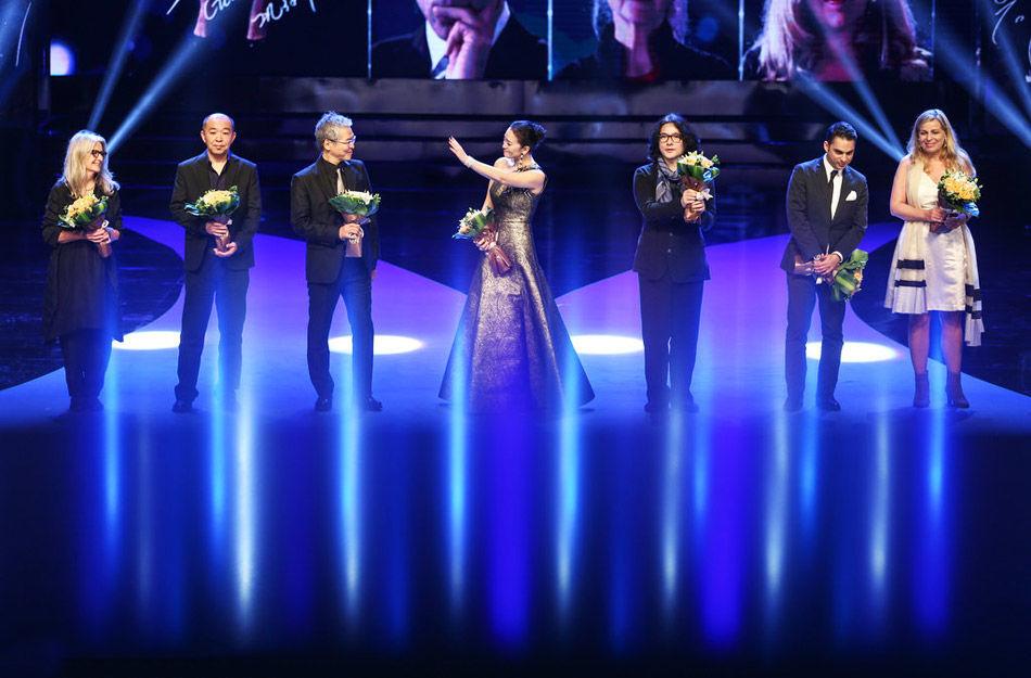娱乐  1/12查看图集 2014年6月22日,第17届上海国际电影节闭幕,揭晓图片