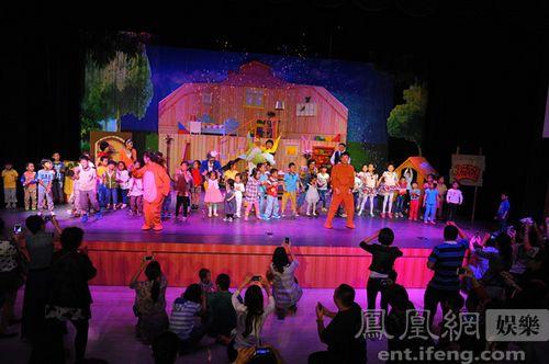 歌舞团小剧场精彩表演