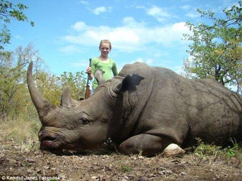 美国女大学生猎杀非洲野生动物 晒照片引众怒