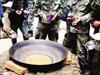部队不再浑水煮面,村民依旧靠浑水生存