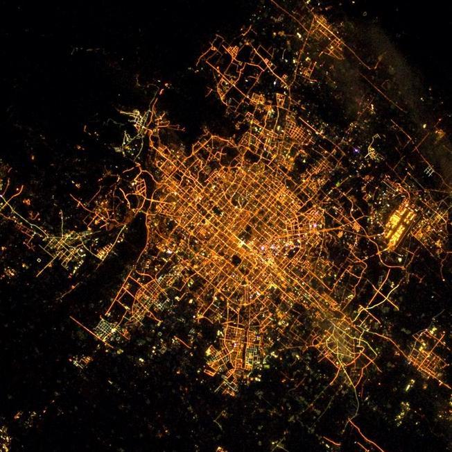 转贴 -从太空看北京 - 山水号子 - 山 水 号 子