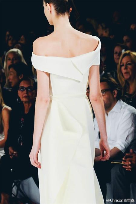 Chrison克里森:Carolina Herrera把衣服做成了瑰丽的画