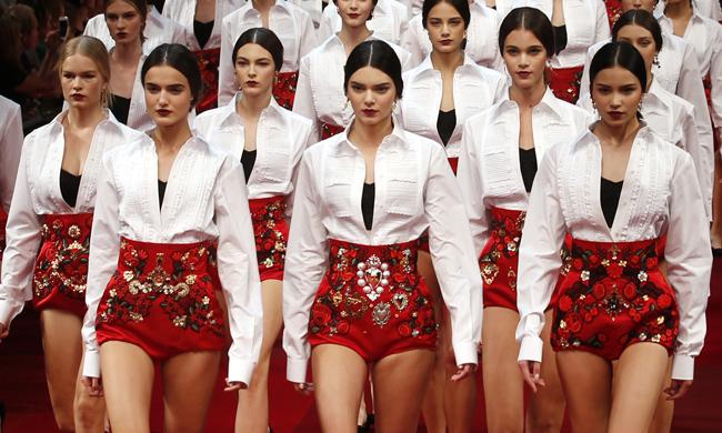 费仑志 :Dolce&Gabbana谢幕戏码看不腻