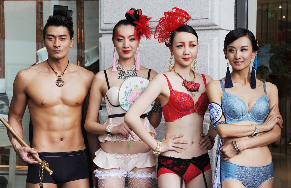 内衣模特巡游上海