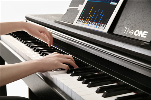 the one智能钢琴:走小米模式 不识谱也能弹琴