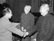 1948年太原会战:徐向前曾救了胡耀邦一命
