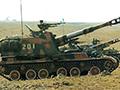 中国新兵驾自行火炮谈感受:跟挖掘机差不多