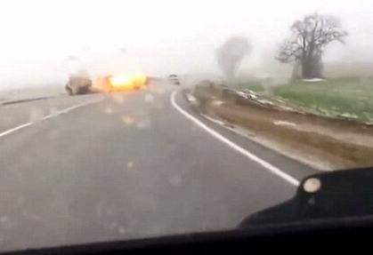 俄罗斯劫匪打劫教堂驾车逃走 连人带车被闪电击碎(图) - 纯净心 - 纯净心