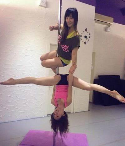 郭书瑶舞蹈教学视频_明星  据台湾媒体报道,钢管舞近来蔚为风潮,女星郭书瑶也积极苦练