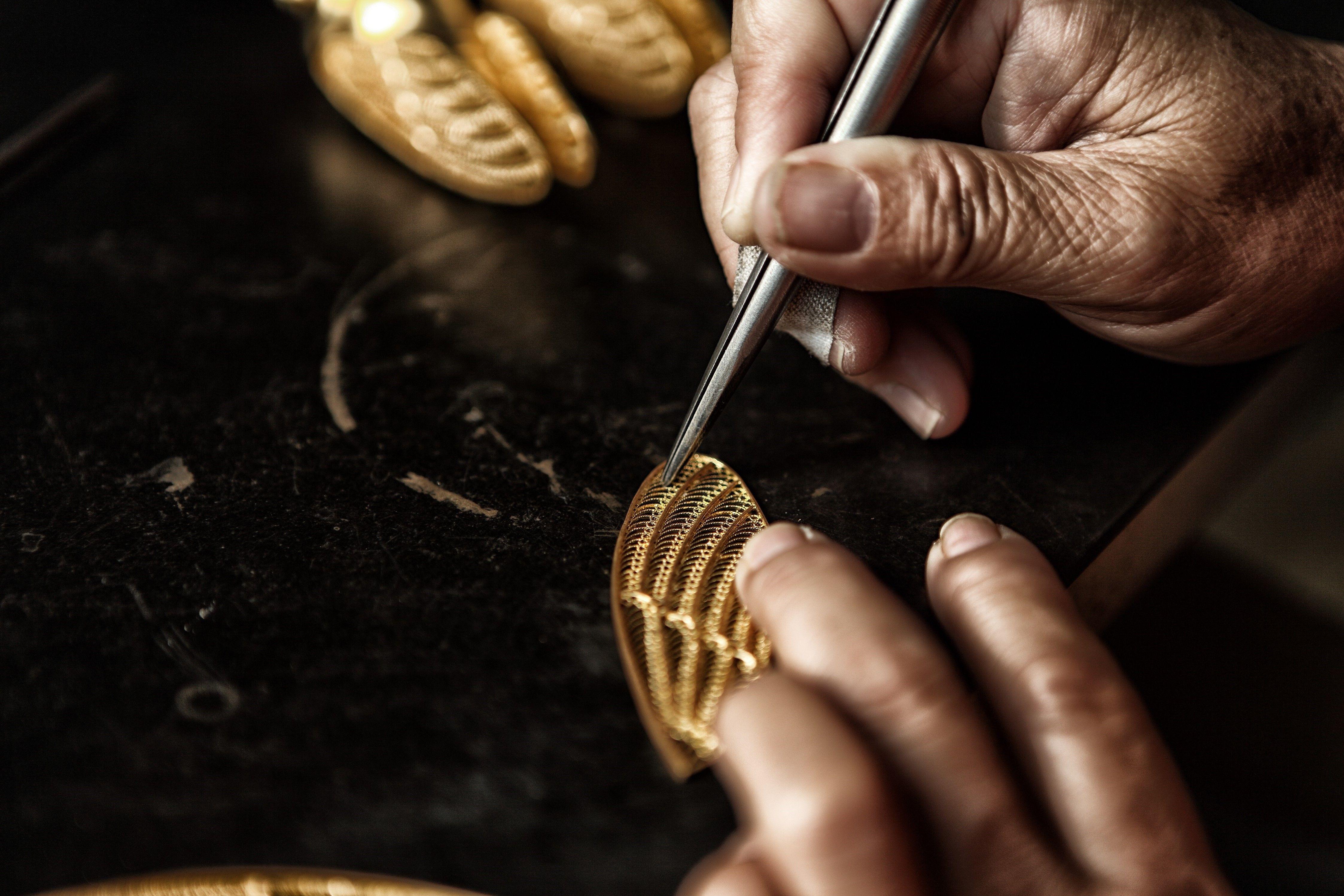 每件产品都是由宫廷匠人的传人手工制作 明代著名画家文震亨在