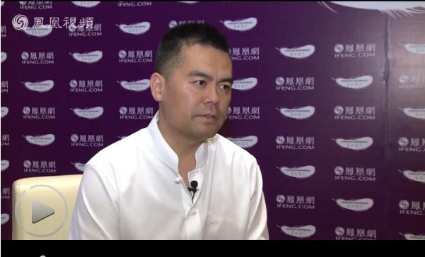 2015美丽童行杭州公益慈善夜专访邓飞:让留守儿童的父母回家