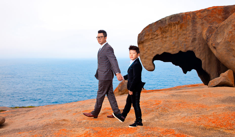 袋鼠岛神奇岩石:帅气复古造型来啦 郭涛父子大摆pose