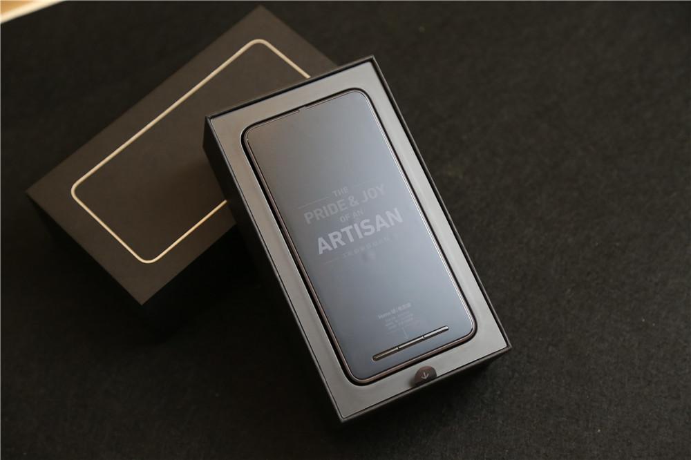 锤子手机t2开箱图赏:超越苹果边框无断点