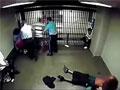 实拍真实美监狱打架斗殴现场