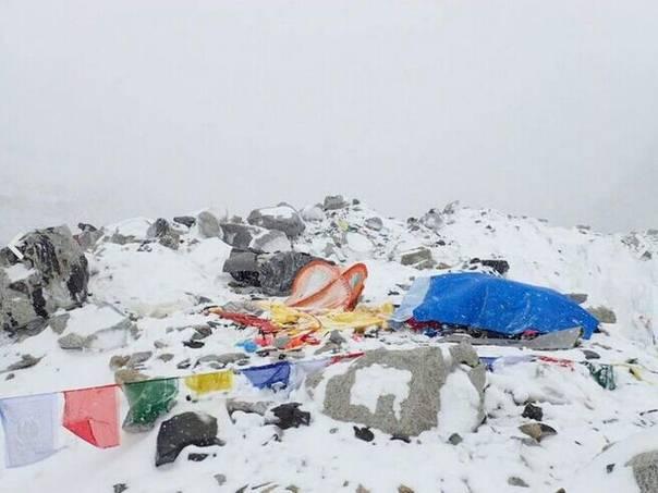 珠峰大本营联络官:北坡情况良好 登山者基本安全