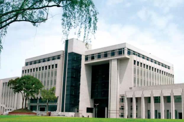 中南大学一研究生跳楼自杀 疑因论文答辩未过