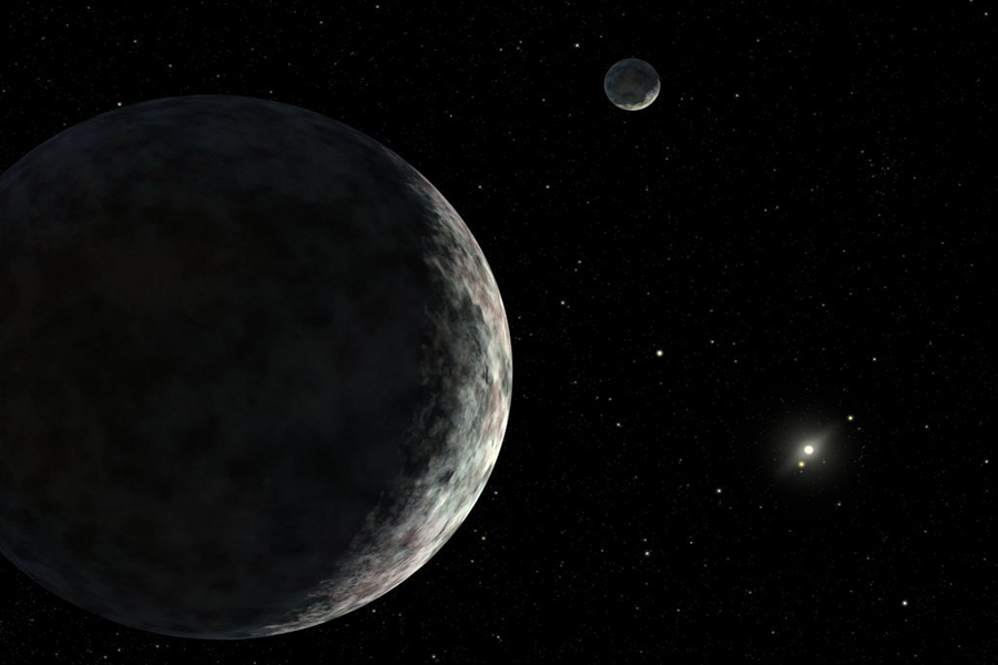 """为何冥王星的直径一直在变小?说到底还是因为太远导致估算的数据误差太大,而冥王星虽然远,它的亮度相对于其距离却显得过于""""明亮"""",导致早期天文学家认为它是颗大行星,后来发现它表面覆盖这一层反射率极高的甲烷冰,这使科学家们不得不重新估算。"""