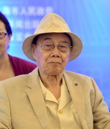 周恩来之侄出书:邓颖超曾告诉我总理去世的真正原因