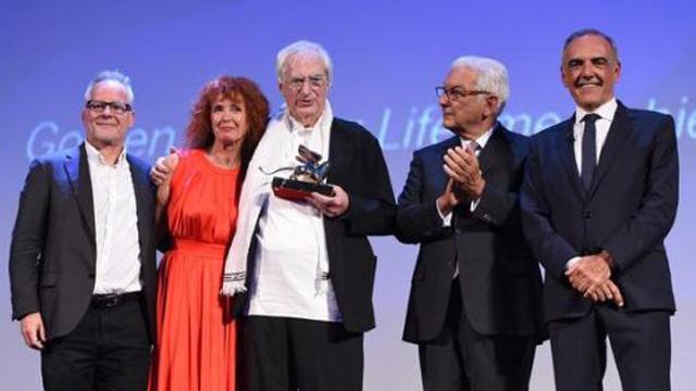 贝特朗·塔维涅 获得金狮终身成绩奖