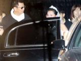 贾玲着白色婚纱乘豪车惊呆众人