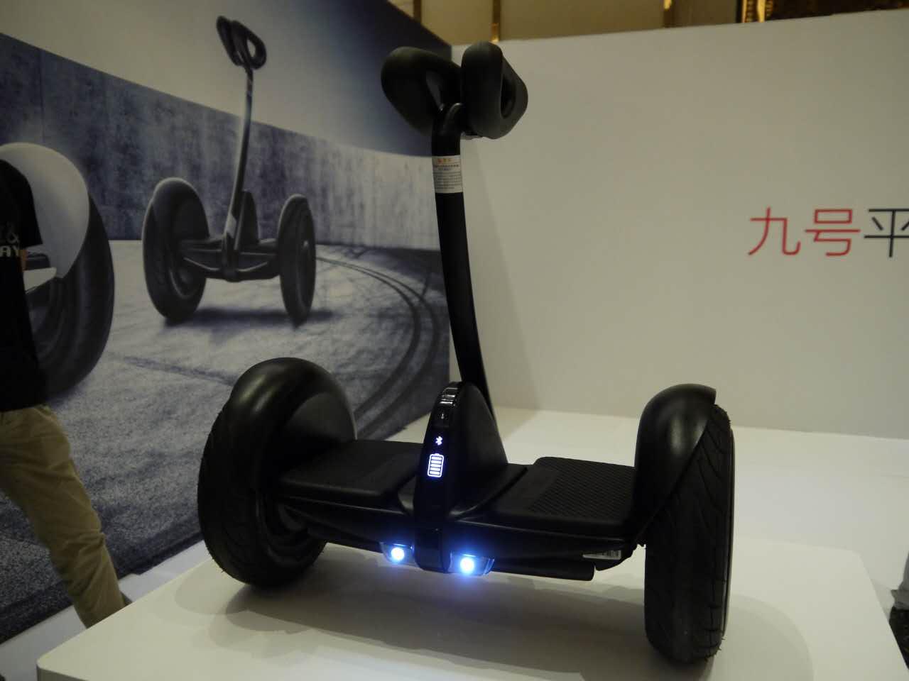 这款九号平衡车来自小米生态链企业——ninebot,这款平衡