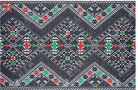 最早的侗锦图案取材于简单的几何图形,动物及侗族民俗活动.