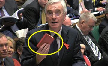 英国政客议会上读毛主席语录教训同僚