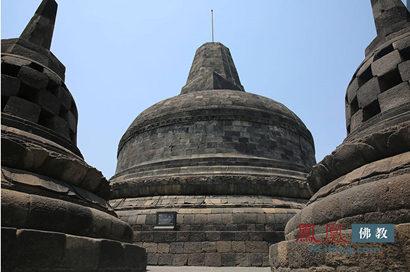 """婆罗浮屠佛塔位于""""万岛之国""""印度尼西亚爪"""