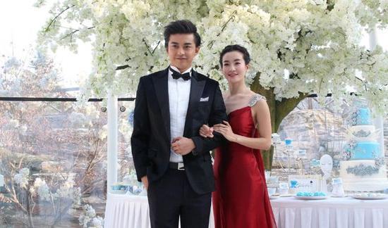 [明星爆料]尔康娶了小燕子?李晟李佳航疑已领证
