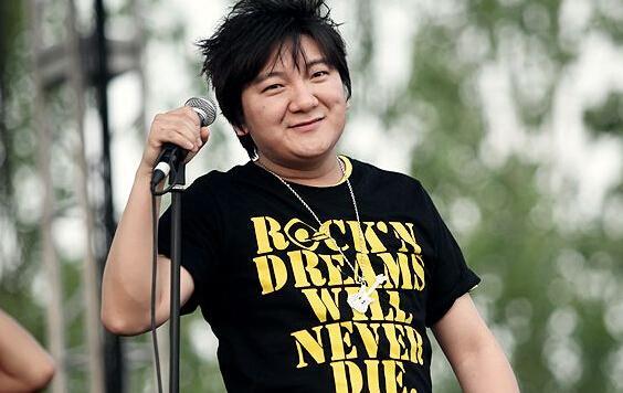 [明星爆料]杨臣刚是过气歌手? 人家不声不响挣了几亿