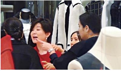 62岁林青霞扫货神采奕奕 红光满面出手大方=