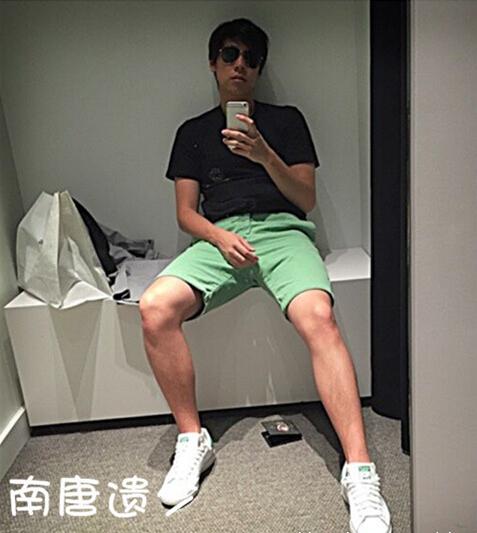 [明星爆料]老牌歌手解晓东19岁儿子近照曝光 帅气像爸(图)