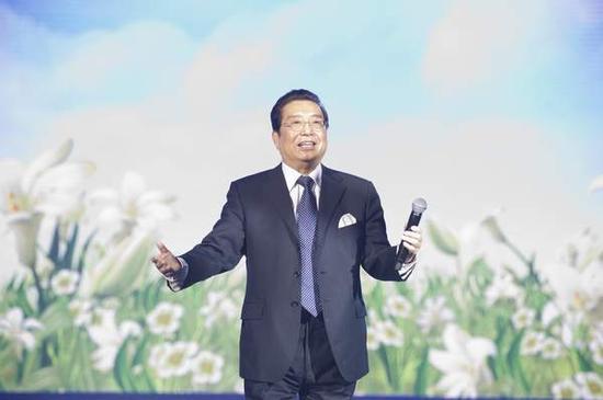 """[明星爆料]李双江杨光等被授予\""""校园艺术爱心大使\""""称号"""